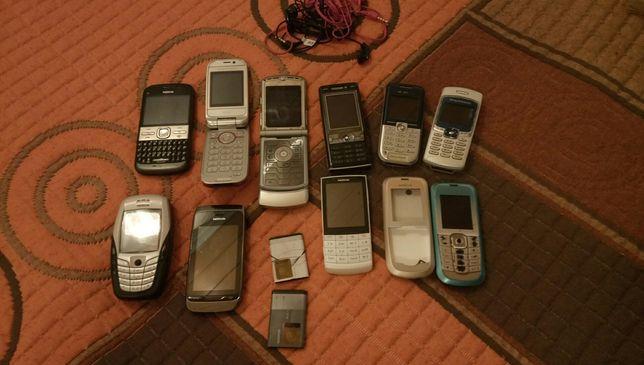 Vários telemóveis