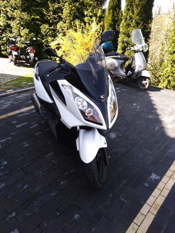 Kymco downtown 125 dink Street