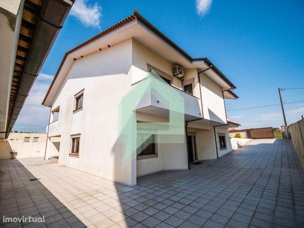 Excelente moradia individual, 5 quartos, Tamel. S. Veríss...