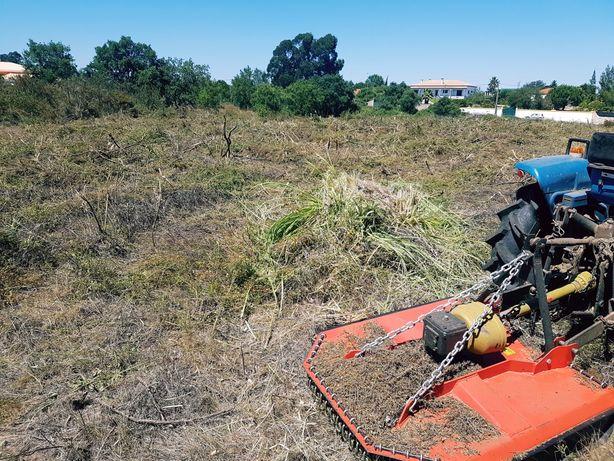 Limpezas de terrenos, vedações e outras prestações de serviço