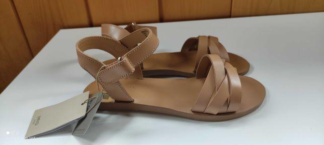 Nowe sandały Mango 34