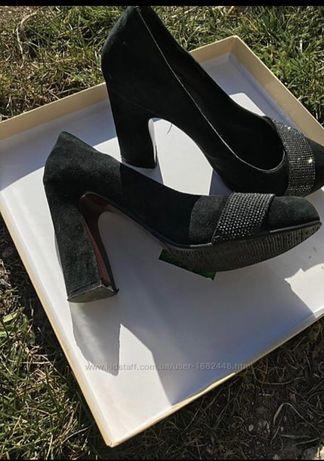 Жіночі замшевв туфлі