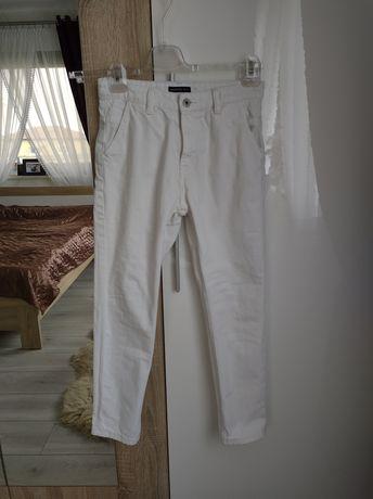 Białe rurki chłopięce Reserved