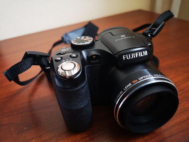 Aparat fotograficzny Fujifilm Finepix S1600