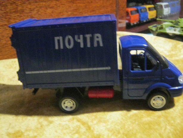 Детская игрушечная  машинка