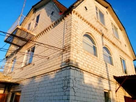 Продам дом с ремонтом ,васищево 160м2 ,31 сотка и гостевой домик