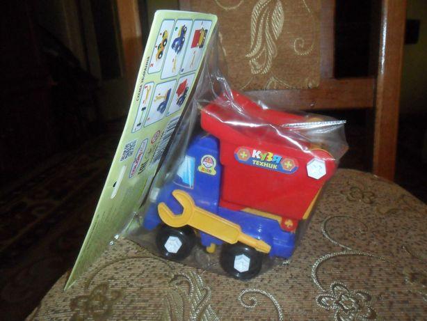 Машинка самосвал для мальчика новая..