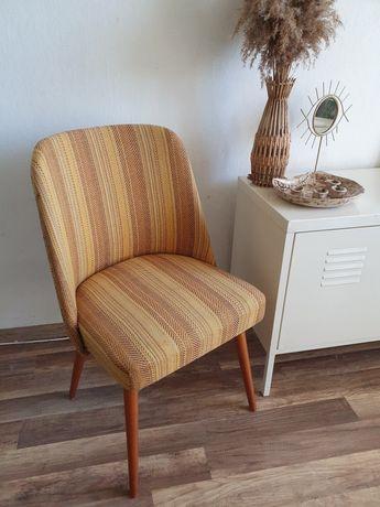 Musztardowy żółty fotel krzesło patyczak muszelka Vintage Retro PRL