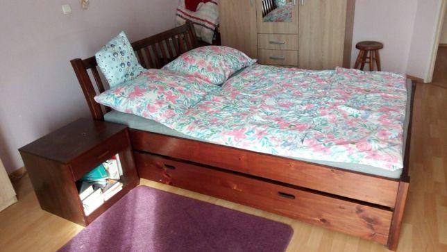 drewniane, b. dobry stan, bez stelaża i materaca z 2 szafkami nocnymi