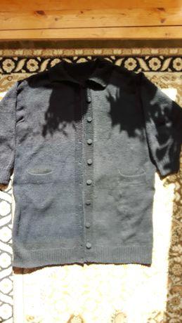 Swetr czarny 4XL biodra 140 cm