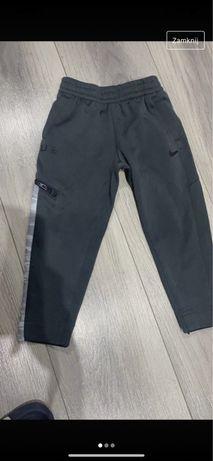 Spodnie Nike dla chlopca