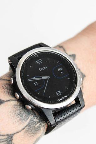 Часы спортивные Garmin Fenix 5S silver