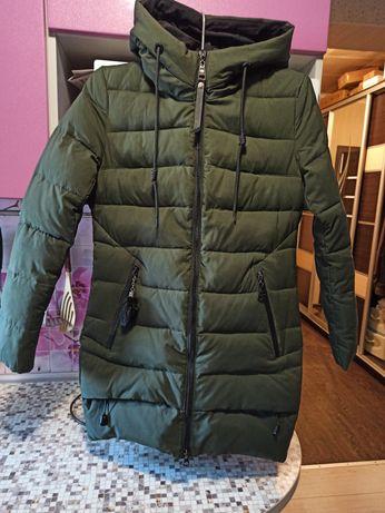 Продам зимнюю куртку,размер 44
