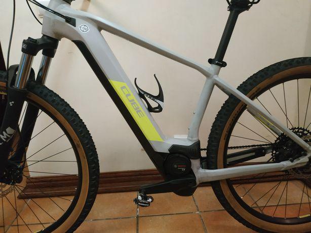 Bicicleta btt elétrica