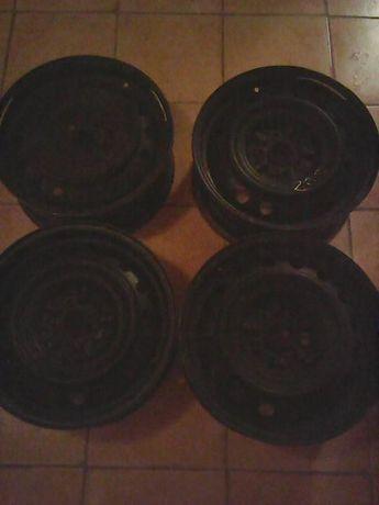 Продам диски колесные Тойота-Карина 2