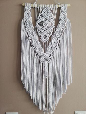 Piękna biała makrama, modna ozdoba