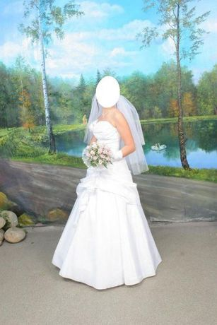 Белоснежное свадебное платье весільна сукня