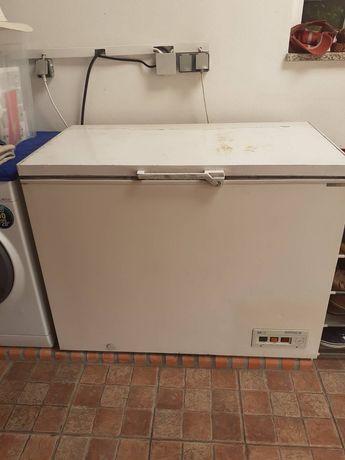 Arca frigorífica horizontal usada, a funcionar