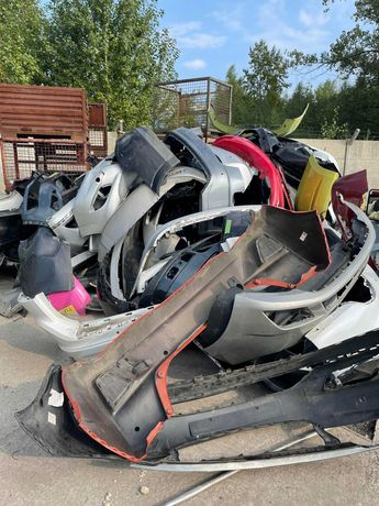 Odbiór odpadów z warsztatu - zderzaki, szyby, opony, złom, plastik