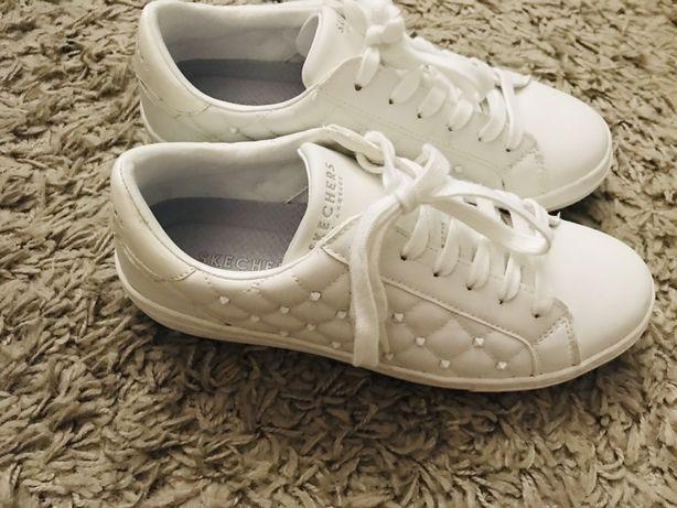 Tenis Brancos Skechers Tam: 37