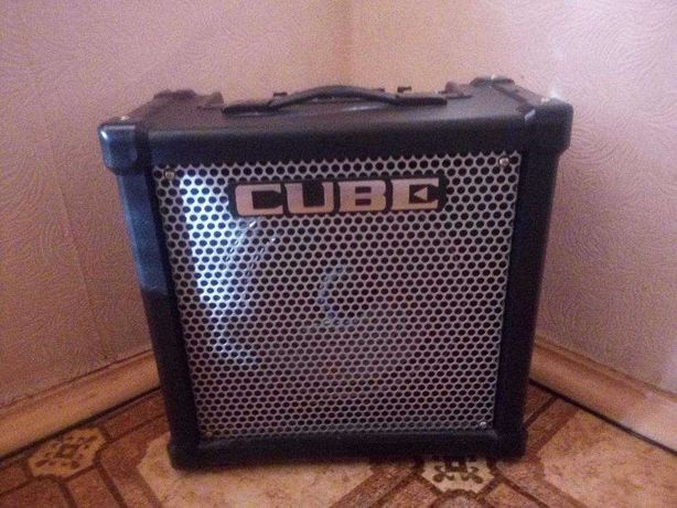 Комбоусилитель для электрогитары Roland CUBE-40GX
