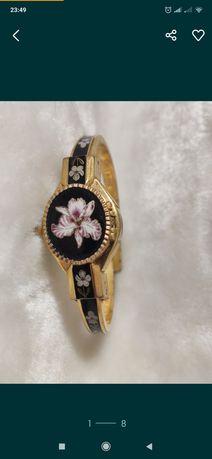 Продам часы-браслет, Швейцарии,брендовые,оригинал.