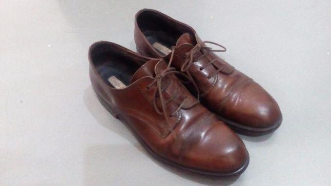 Демисезонные туфли фирменные