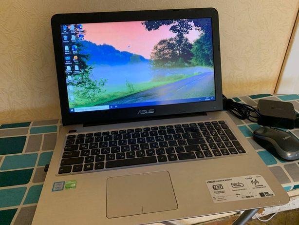как новый asus f556u i5-7200 видео Geforce 940 mx бат.3 часа