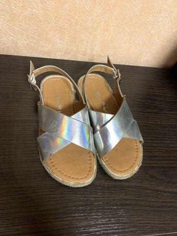 Боссоножки босоніжки сандалі сандали