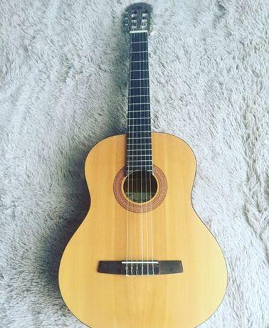 Гітара  HOHNER  з чохлом і струнами