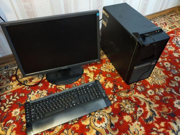 Стационарный компьютер (монитор + системник + клавиатура)