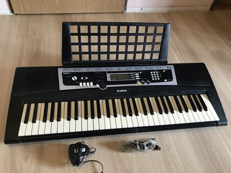 Keyboard yamaha ypt-210 +gratis