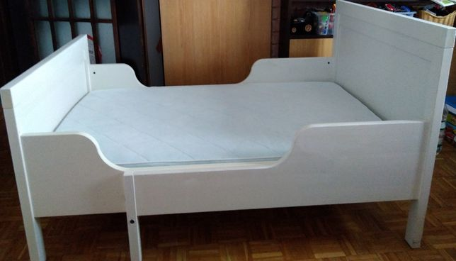łóżko dziecięce Sundvik, rama + materac dobrej jakości