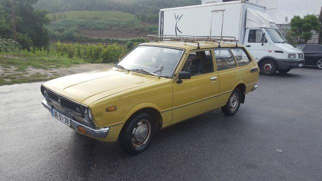 Toyota Corolla KE36 ano 1976