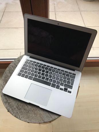 Apple MacBook 13' i7, 8GB, 121GB SSD