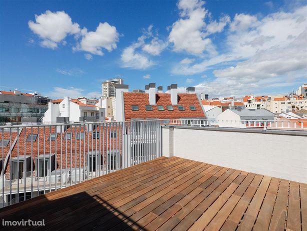 DUQUE 70   com terraço, pisina e jardim, em Lisboa