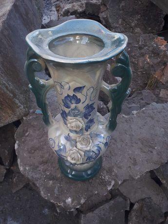 Продам  вазу  очень  красивая
