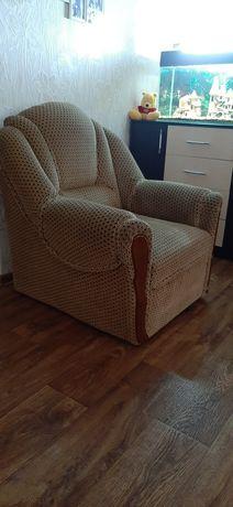 Мягкое кресло беж