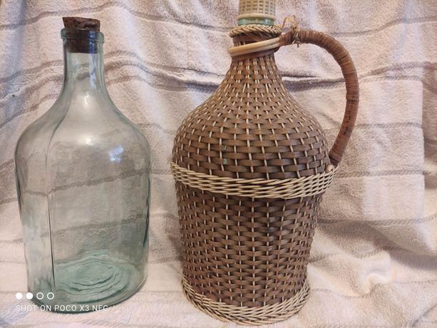 Стеклянные бутыль под вино
