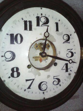 Старинные часы с боем.