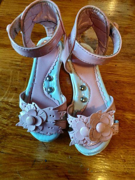 Дитячі босоніжки туфельки черевички детские босоножки туфли туфельки