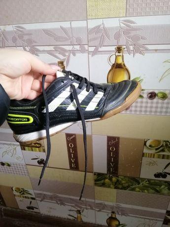 Продам кроссовки для настольного тенниса /бадминтона