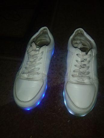 Buty dziecięce LED