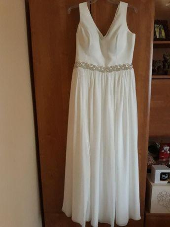 Piękna suknia ślubna w kolorze ecru rozmiar 40