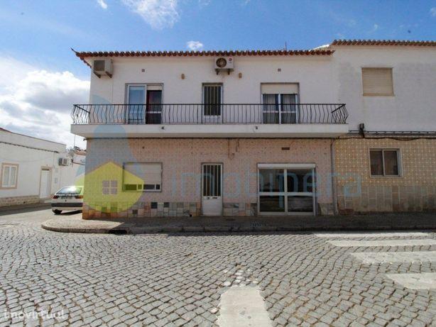 Moradia no centro da Vila de São Bartolomeu de Messines