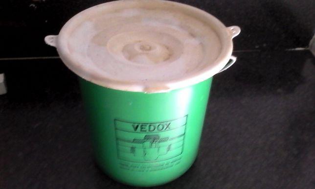 Vendo balde de vedox com 4Kg