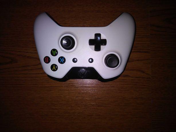 Pad oryginalny Xbox One z jack