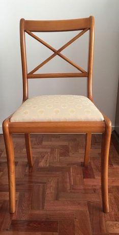 Cadeira de quarto em cerejeira