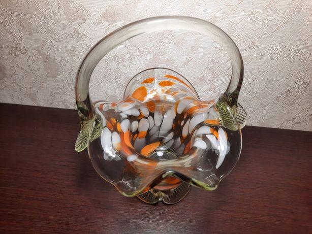 Ваза конфетница из цветного стекла.Советская ваза.