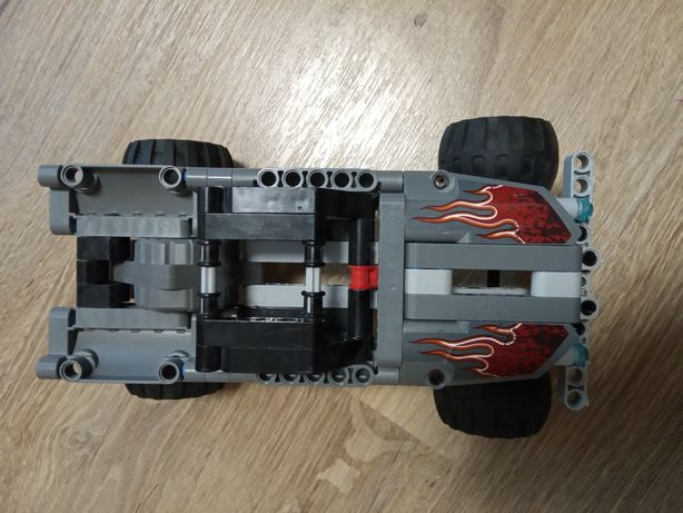 Лего оригінал машинка .